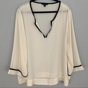 Banana Republic long sleeve cream black blouse XXL